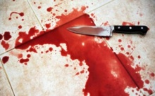 สุดโหด! เมียคว้ามีดตัด 'เจ้าโลก' ผัวขณะหลับสนิท ก่อนโยนทิ้งโถส้วม เพื่อนบ้านช็อกเห็นรักกันดี?!