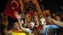 ทหารตุรกีประกาศยึดอำนาจบริหารประเทศ ควบคุมพื้นที่สำคัญไว้ได้แล้ว!
