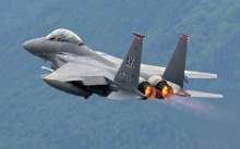 """สหรัฐฯ เซ็นข้อตกลง $12,000 ล้านขายฝูงบินขับไล่ F-15 ให้ """"กาตาร์"""""""