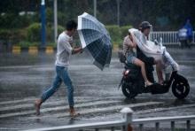 จีน-ฮ่องกง-มาเก๊าอ่วม ไต้ฝุ่นมังคุดทำฝนตกหนักและลมกระโชกแรง