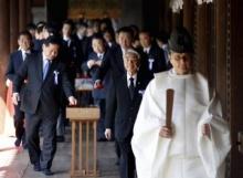 สมาชิกรัฐสภาญี่ปุ่นนับร้อย! เดินทางไปสักการะศาลเจ้ายาสุกุนิ