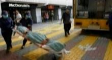 เป็นงง!? หญิงนอนตายในแมคฯฮ่องกงนาย 10 ชั่วโมงแต่ไม่มีใครรู้