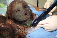 มันจะขนลุกหน่อยๆอ่ะ! นักโบราณคดีขุดพบ 'มัมมี่สาว' อายุ 900 ปี สภาพสมบูรณ์ ผม-ขนคิ้ว ไม่หลุดร่วง!