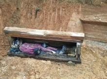 คนงานก่อสร้างจีนขุดพบ 'ศพโบราณ' ในสภาพที่เกือบสมบูรณ์ แม้จะผ่านมาหลายร้อยปีแล้ว!!