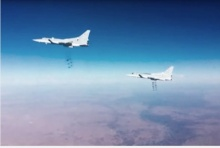 ฝูงบินรบรัสเซียถล่มนักรบไอเอส ตายหมู่กว่า 300 ศพ