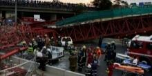 หวาดเสียวเกิ๊น!! สะพานถล่มกลางถนน ตาย 2