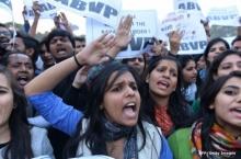 หนึ่งในนักโทษคดีรุมข่มขืนนักศึกษาบนรถบัสในกรุงเดลี ได้รับการปล่อยตัวแล้ว