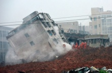 ดินถล่มครั้งใหญ่ในเซินเจิ้นคนหาย 59 พบร่องรอยผู้มีชีวิตหลายจุด(คลิป)