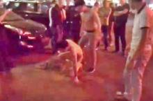 มันเดือด!! ผัวจับได้เมียลักลอบเล่นชู้ คาตา กระทืบอ่วมกลางถนน(คลิป)