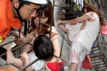 ทุลักทุเล!หญิงสาวเข้าช่วยเด็ก3ขวบหัวติดคาเหล็กดัดระเบียง