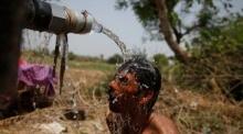 อินเดีย ร้อนโหด !! ยอดดับกว่า1,800 ศพ !! หนักสุดในรอบ 20 ปี