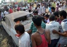 ตำรวจอินเดียตามล่าเจ้าของร้านค้าที่เก็บวัตถุระเบิดไว้ในร้าน จนมีผู้เสียชีวิตร่วม 90 คน