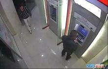 ให้มันรู้ซะบ้าง!! กดเงินตู้ ATM เจอโจรทำแบบนี้..เลยต้องจัดซะหน่อย(มีคลิป)