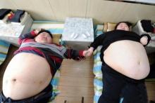 คู่รักหนักรวมกว่า 400กิโล!! เร่งลดน้ำหนักสานฝันอยากมีลูก