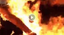 สยอง!!! หนุ่มไลฟ์สดจุดไฟเผาร่างหวังปลิดชีพพร้อมแฟนสาว