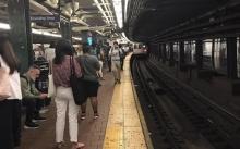 ระทึก!! รถไฟใต้ดินนิวยอร์กตกราง! เจ็บ 34 คน